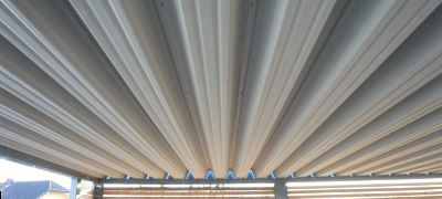 Dach mit Vliesstoffbeschichtung